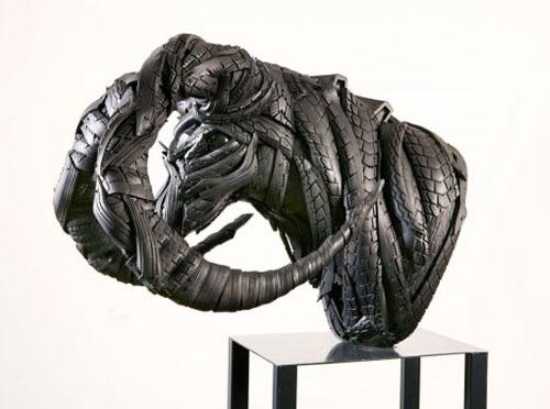 مجسمه های بازیافتی زیبا از لاستیک های فرسوده