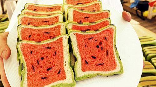 اختراع نان هندوانه مربعی در مواد غذایی تایوان