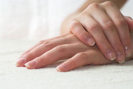 علت شکستن ناخن ها و جلوگیری از آن