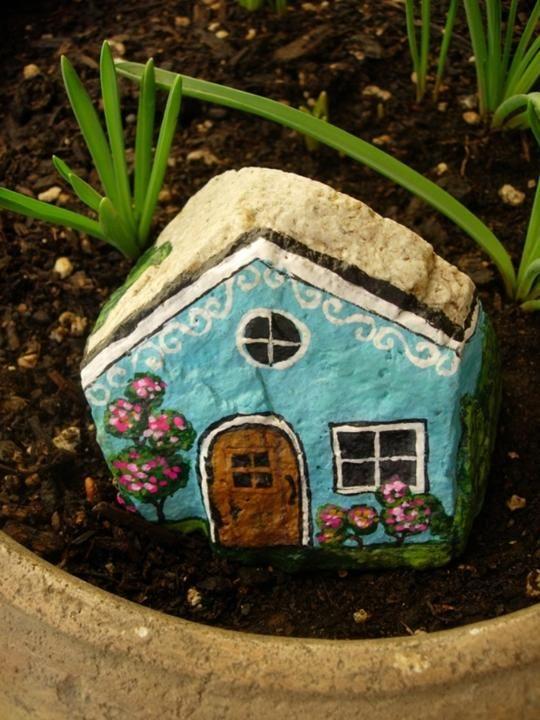 آموزش نقاشی روی سنگ به شکل کلبه