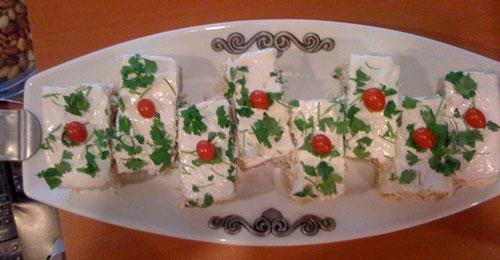 ایده های تزئین نان پنیر سبزی افطار , تزیین سفره افطار ماه رمضان
