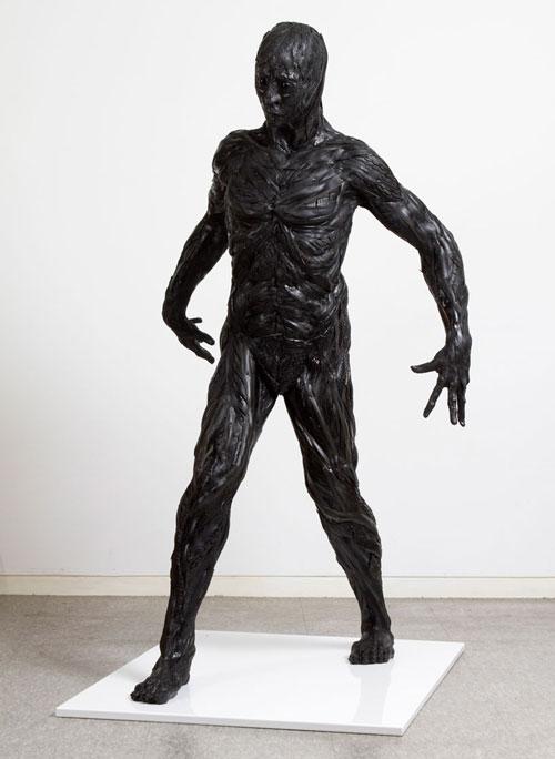 مجسمه سازی با لاستیک های فرسوده