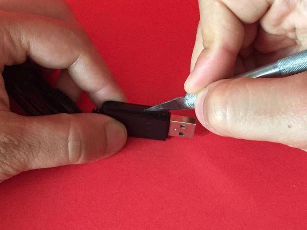 فلش مخفی داخل کابل USB شارژر