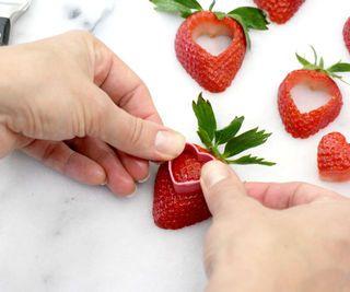 توت فرنگی های رمانتیک شکلاتی(آموزش تصویری)