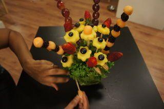 میوه آرایی - شب یلدا - تزیین میوه به شکل گلدان گل