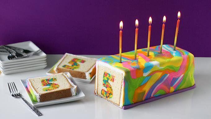 طرز تهیه کیک سورپرایز رنگین کمانی