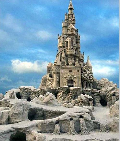 جشنواره ساخت قلعه شنی