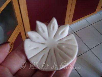 درست کردن گل با خمیر فوندانت
