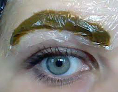 آموزش آرایشگری - رنگ کردن ابروها
