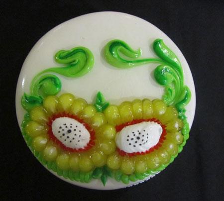 تزیین کیک تولد با طرح گل آفتابگردان