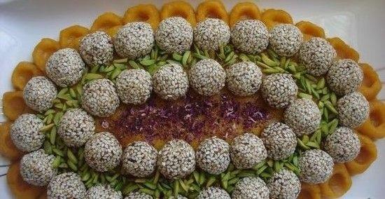 حلوای هویج با تزئین خرما