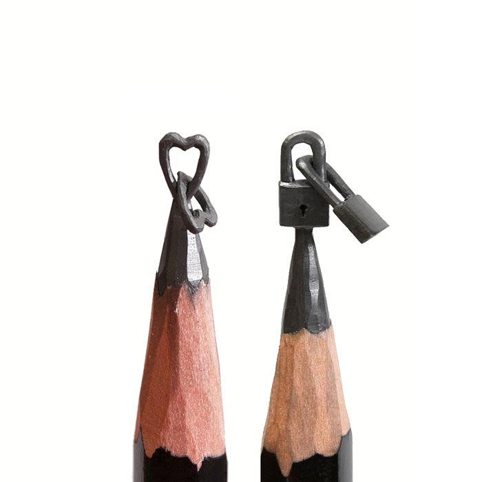 حکاکی روی نوک مداد