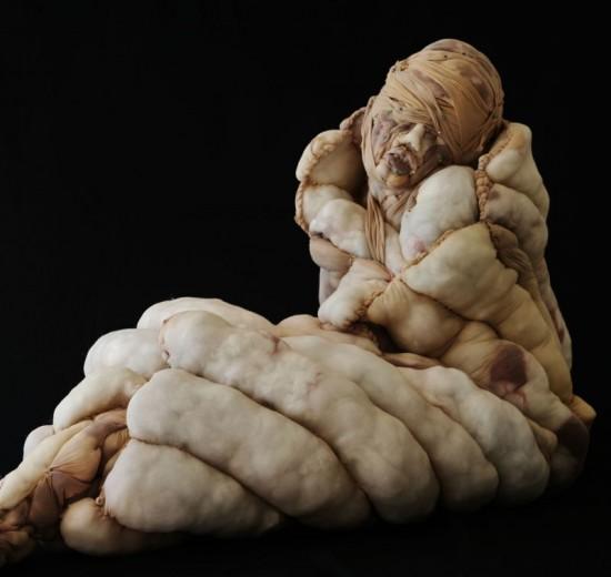 Rosa-Verloop مجسمه های انسانی ساخته شده از جوراب