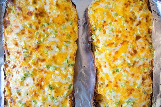 طرز تهیه نان پنیری لذیذ و خوشمزه