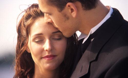 اسرار بوسیدن - چگونه همسرم را ببوسم