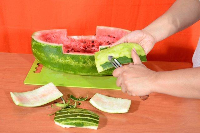 میوه آرایی - تزیین هندوانه به شکل کشتی دزدان دریایی