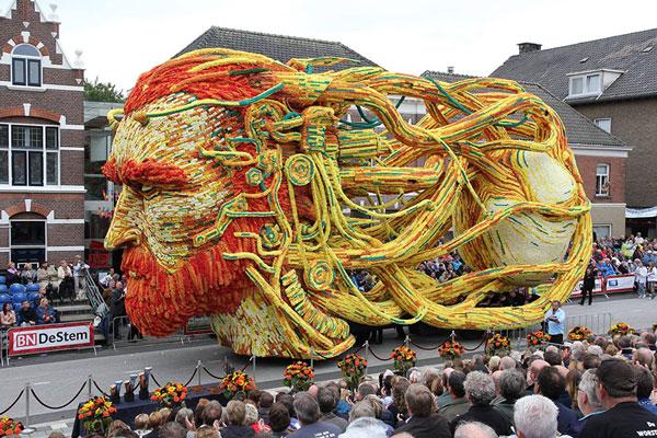 رژه گل ها در هلند با موضوع آثار ون گوگ