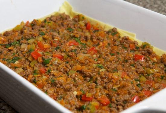 طرز تهیه لازانیا با گوشت معطر و سبزیجات