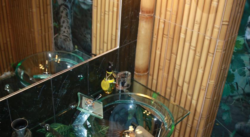 تصاویر خانه ای جنگلی موگلی در اوکراین