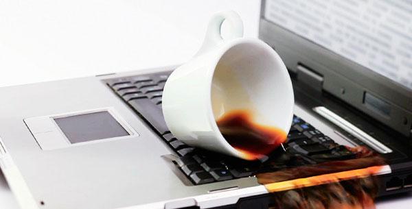 درصورت خیس شدن لپ تاپ چه کنیم؟