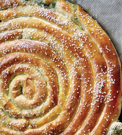 طرز تهیه بورک پیچ با گوشت و سبزیجات
