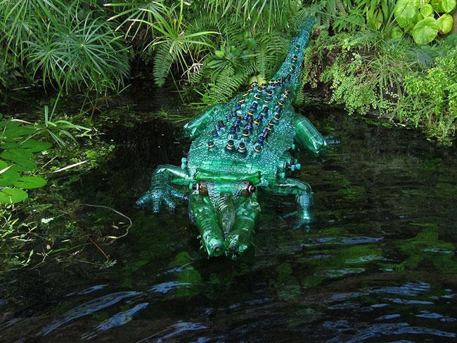 بازیافت بطری پلاستیکی , ساخت تمساح با بطری
