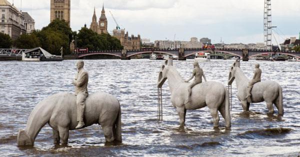 مجسمه ساز انگلیسی, Jason Taylor , مجسمه های جالب