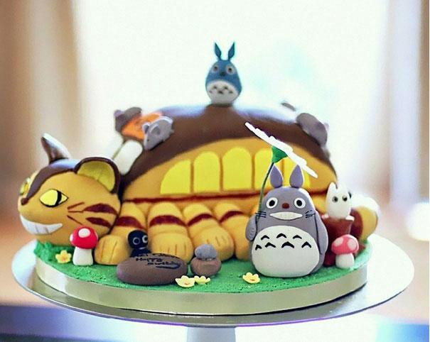 کیک تولدهای توتورو - تزیین کیک تولد