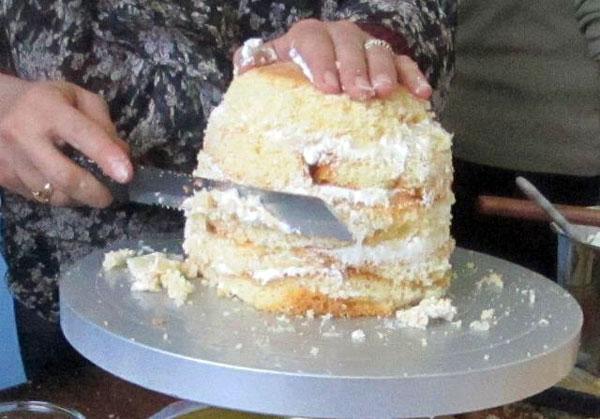 تزیین کیک به شکل انار ویژه شب یلدا