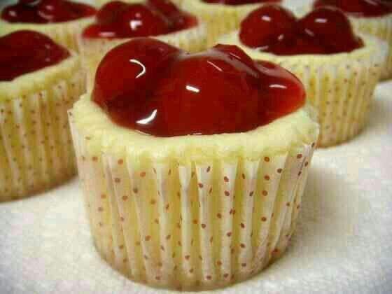 طرز تهیه چیز کیک آلبالو