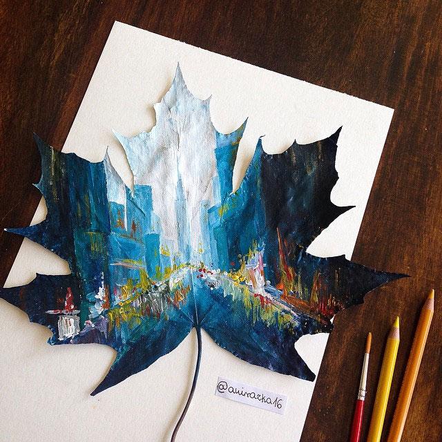 نقاشی روی برگ درختان پاییزی