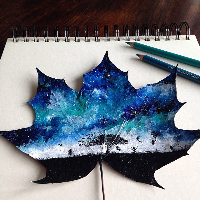 تصاویر دیدنی عکس و کلیپ  , هنرنمایی نقاش لهستانی روی برگ درختان پاییزی