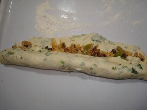 طرز تهیه رولت مرغ حلقه ای