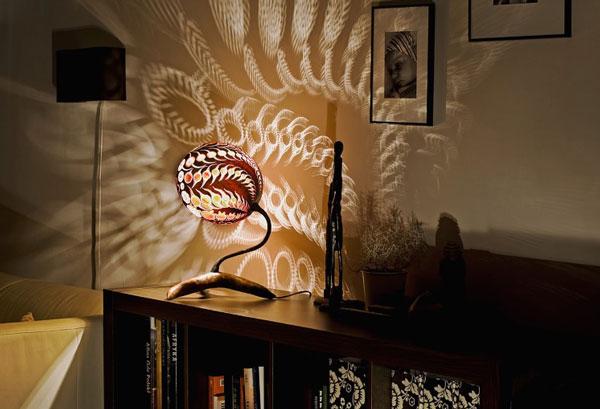 تصاویر دیدنی کلیپ و عکس  , خلق لامپهای بی نظیر با کدو حلوایی