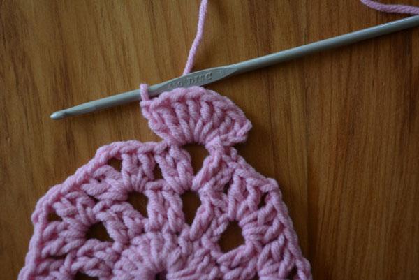 Coasters-crocheted (18)