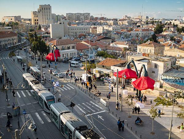 لامپهای جالب در میدان Vallero اورشلیم