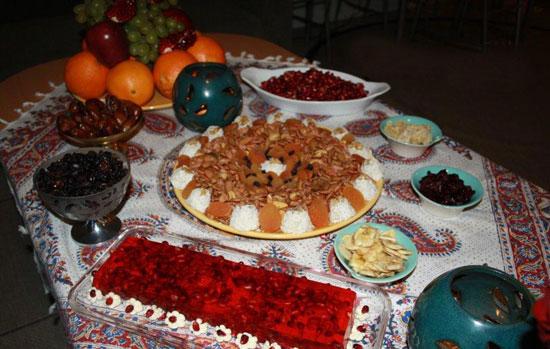 شیرینی شب یلدا شب یلدا سفره آرایی جشن شب یلدا تزیین هندوانه تزیین آجیل عروس تزیین آجیل شب یلدا آموزش تزیین سفره آداب شب یلدا