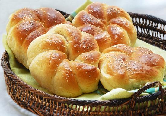 طرز تهیه نان شیرین صبحانه و عصرانه