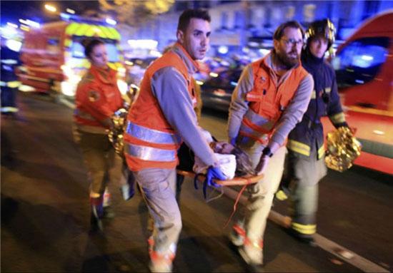 گروگانگیری در پاریس , انفجار و تیراندازی در فرانسه