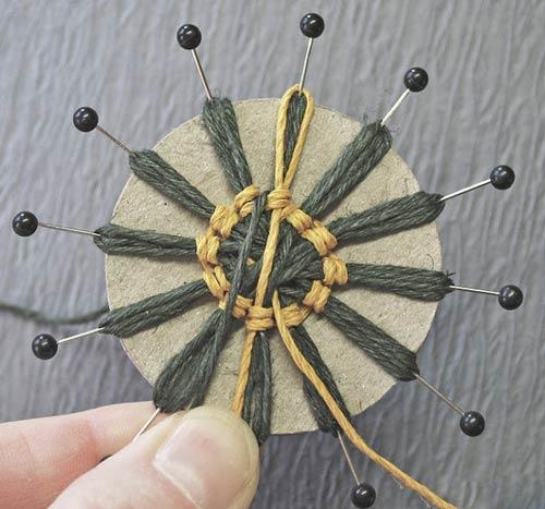 آموزش ساخت گل با نخ کنفی