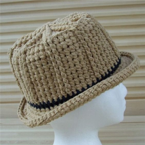 کلاه پره دار