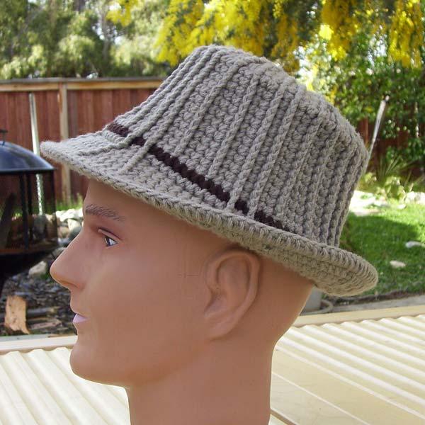 کلاه بافتنی مردانه لبه دار