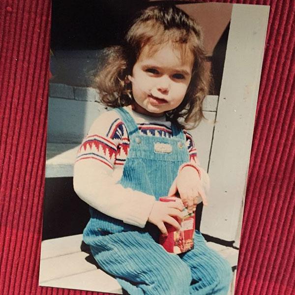 عکس کودکی نینا دوبرو