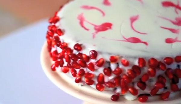 نان، شیرینی، دسر  , کیک پسته و انار ویژه شب یلدا و کریسمس