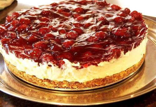 طرز تهیه چیز کیک یخچالی انار دسر شب یلدا و ولنتاین