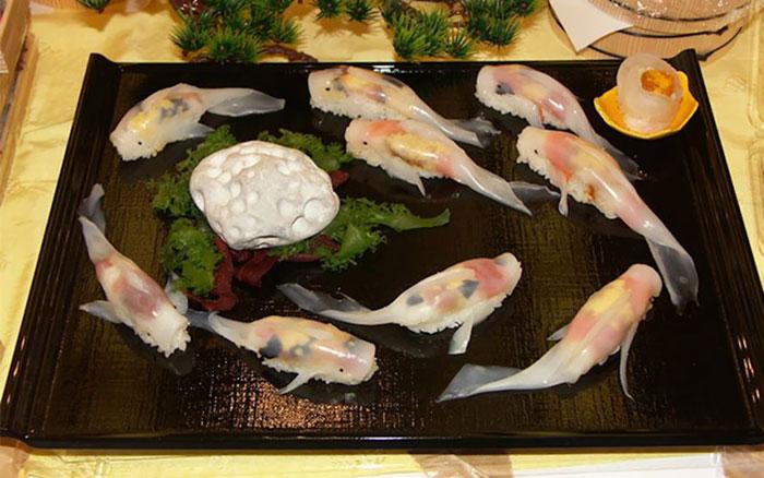 سوشی هایی به شکل ماهی زنده