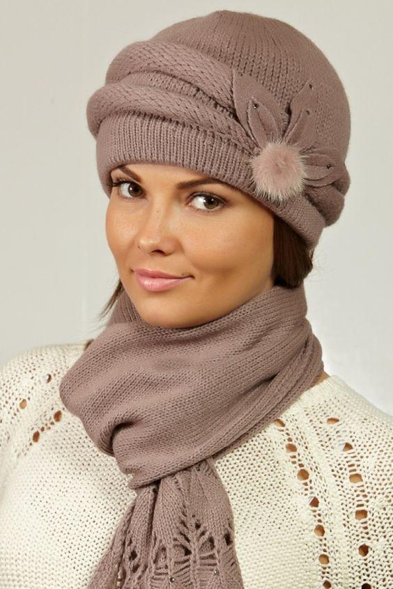 شال و کلاه زنانه دستباف نسکافه ای روشن