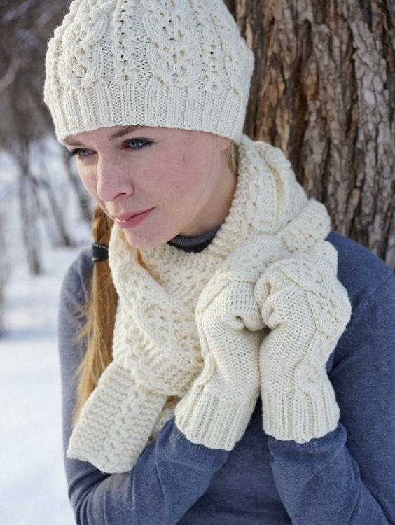 عکس مدل شال و کلاه بافت سفید
