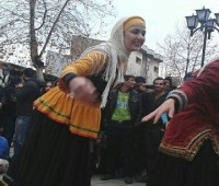 عکس رقص زنان در حیابان