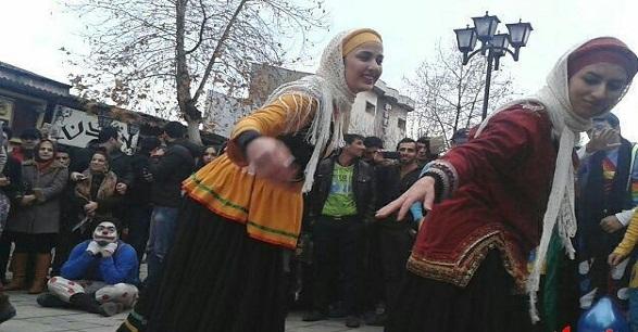 عکس رقص زنان در خیابان - مجله تصویر زندگی